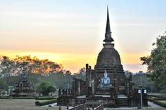Vecchio limite Wat Sa Si in Sukhothai della Tailandia Immagini Stock Libere da Diritti