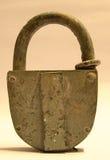 Vecchio lucchetto bloccato Fotografie Stock