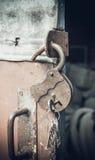 Vecchio lucchetto rovinato Fotografia Stock
