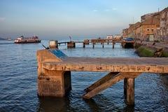Vecchio lungomare di Quay in Almada Fotografia Stock