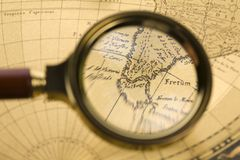 Vecchio magnifier Fotografie Stock Libere da Diritti