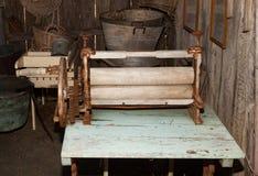 Vecchio mangano utilizzato per rimuovere acqua immagini stock libere da diritti