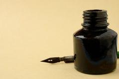 Vecchio metallo a penna ed inchiostro Fotografia Stock Libera da Diritti