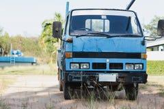 Vecchio mini camion blu immagini stock libere da diritti