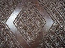 Vecchio modello di legno di progettazione della sedia della Tailandia Immagine Stock