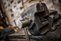 Vecchio morsetto del ferro Fotografia Stock