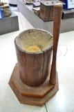 Vecchio mortaio di legno Fotografia Stock