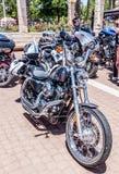 Vecchio motociclo Harley Davidson ad una mostra di vecchie automobili in motociclo detto Harley Davidson ad una mostra di vecchie Immagine Stock Libera da Diritti