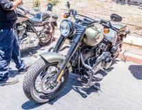 Vecchio motociclo Harley Davidson ad una mostra di vecchie automobili in motociclo detto Harley Davidson ad una mostra di vecchie Fotografia Stock