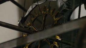 Vecchio movimento a orologeria video d archivio