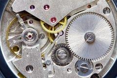 Vecchio movimento a orologeria del metallo immagini stock libere da diritti