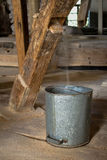 Vecchio mulino di legno, all'interno Fotografia Stock