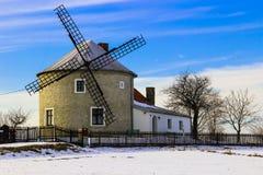 Vecchio mulino di vento fotografia stock libera da diritti