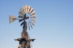 Vecchio mulino a vento americano Fotografie Stock Libere da Diritti