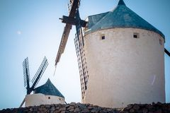 Vecchio mulino a vento a Consuegra - Toledo Spain fotografie stock libere da diritti