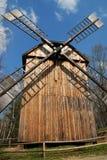 Vecchio mulino a vento di legno Fotografia Stock Libera da Diritti
