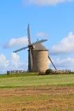 Vecchio mulino a vento in Francia Fotografia Stock Libera da Diritti