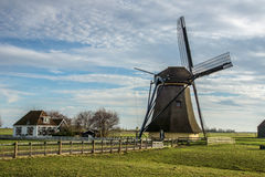 Vecchio mulino a vento olandese Fotografia Stock Libera da Diritti