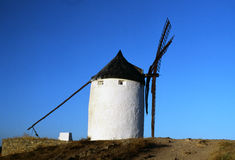 Vecchio mulino a vento spagnolo Immagini Stock
