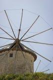 Vecchio mulino a vento tradizionale Fotografie Stock Libere da Diritti