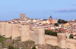 Vecchio muro di cinta a Avila, Spagna Immagine Stock
