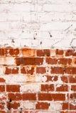 Vecchio muro di mattoni con vernice Fotografie Stock Libere da Diritti