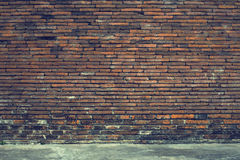 Vecchio muro di mattoni nel fondo Fotografia Stock Libera da Diritti