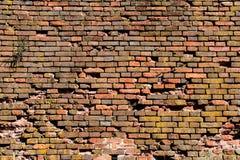 Vecchio muro di mattoni rosso-arancio, fondo, struttura 28 Fotografia Stock Libera da Diritti