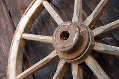 Vecchio oggetto d'antiquariato delle rotelle di vagone Fotografia Stock