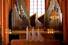 Vecchio organo in chiesa cristiana Immagini Stock