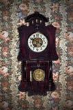 Vecchio orologio di pendolo Immagini Stock