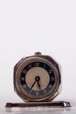 Vecchio orologio metallico Fotografia Stock Libera da Diritti