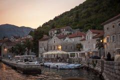 Vecchio paesaggio della città, Perast, baia di Cattaro, Montenegro Immagine Stock Libera da Diritti