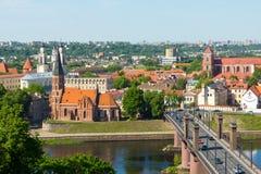 Vecchio paesaggio di tempo di giorno della città di Kaunas immagine stock libera da diritti