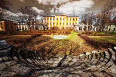 Vecchio palazzo desolato fotografia stock libera da diritti