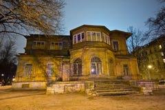 Vecchio palazzo di legno di Gromovs della proprietà terriera in San Pietroburgo Fotografia Stock