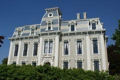 Vecchio palazzo ripristinato Immagine Stock Libera da Diritti