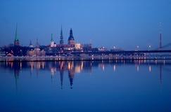 Vecchio panorama 7661 della città di Riga Immagini Stock