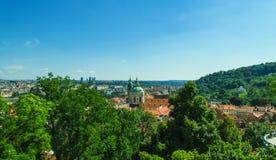 Vecchio panorama della città di Praga fotografia stock libera da diritti