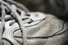 Vecchio pattino di tennis immagine stock