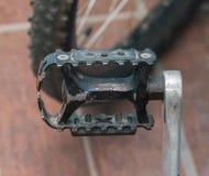 Vecchio pedale nero d'acciaio Fotografia Stock Libera da Diritti