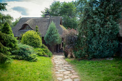 Vecchio percorso della pietra e della casa Immagini Stock
