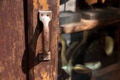 Vecchio perno di portello arrugginito Fotografie Stock Libere da Diritti