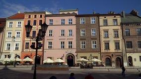 Vecchio piccolo quadrato del mercato di Cracovia stock footage
