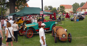 Vecchio picnic dell'automobile Fotografie Stock Libere da Diritti