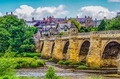 Vecchio ponte di pietra attraverso il fiume Tyne a Corbridge Immagine Stock Libera da Diritti
