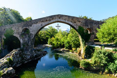 Vecchio ponte di pietra romano Fotografia Stock Libera da Diritti