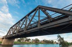 Vecchio ponte ferroviario sopra il fiume di Maribyrnong Immagine Stock Libera da Diritti