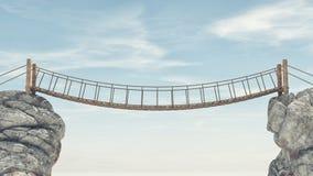Vecchio ponte più fra due grandi rocce Immagine Stock Libera da Diritti