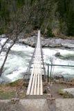 Vecchio ponte sospeso immagine stock libera da diritti
